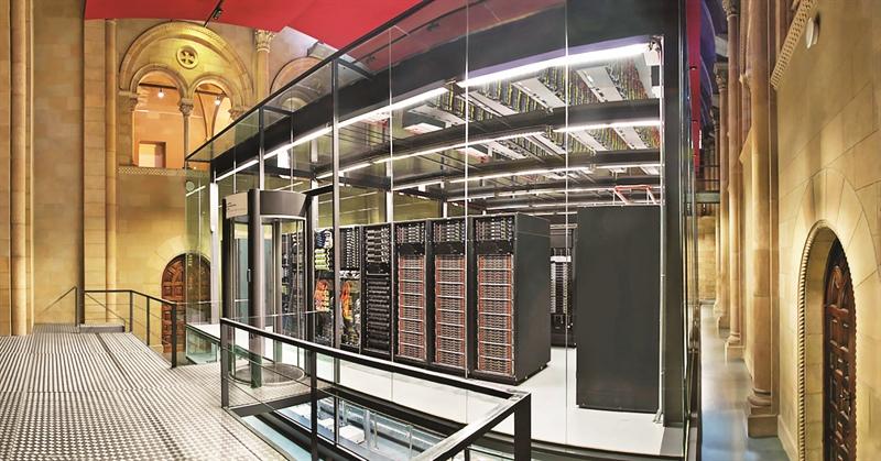 Mateo Valero dirige el Centro de Supercómputo de Barcelona que cuenta con la computadora más potente de España y una de las más importantes de Europa: MareNostrum.
